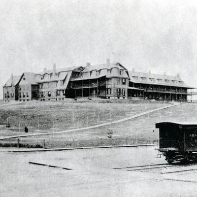 hotel roanoke in virginia being built in the 1900's