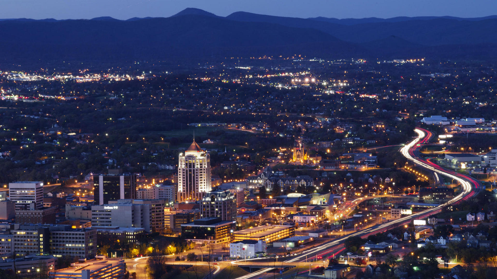 downtown roanoke at night time