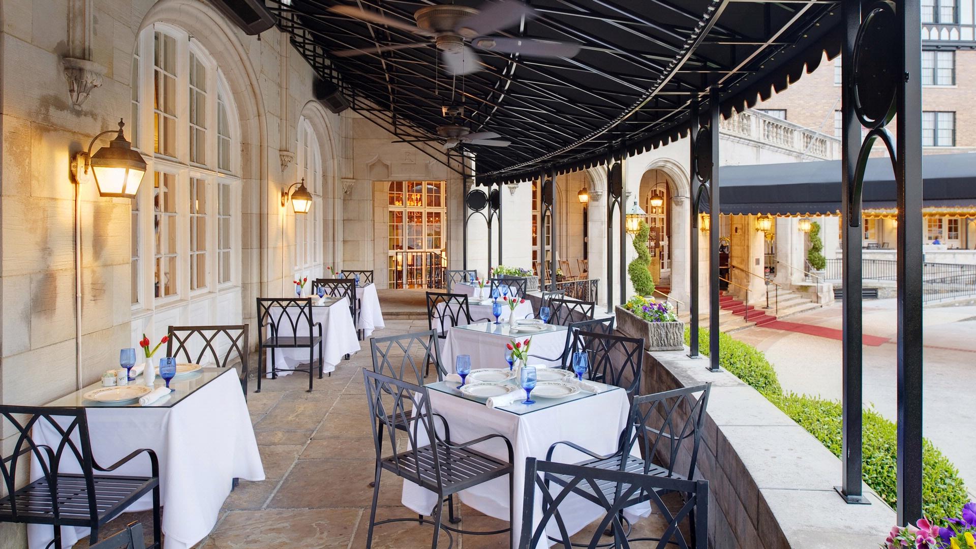 downtown roanoke restaurants historic hotel roanoke va s blue outdoor dining area at hotel roanoke