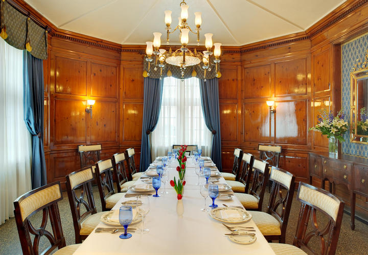 classic dining room at hotel roanoke